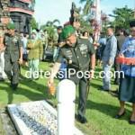 Menghormati Jasa Pahlawan Pangdam Beserta Rombongan Ziarah Ke TMP