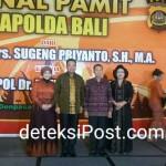Kenal Pamit Kapolda Bali dari Irjen Irjen Pol Drs SUGENG PRIYANTO Kepada Irjen Pol Dr PETRUS