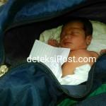 Seorang Ibu Menitipkan Bayinya Secara Diam-diam Di Depan Rumah Nengah Suwentra