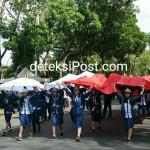 716 Desa Membawa Bendera Merah Putih Ukuran Besar  Meriahkan Pawai Kebangsaan HUT RI Ke 72
