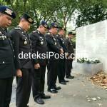 """Polda Bali Bersama Pejabat Utama."""" Menghadiri Peringatan Bom Bali, di Monumen Bom Bali London, """""""
