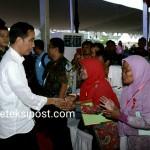 Presiden Serahkan 3.063 Sertifikat Tanah di Sukabumi