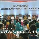 Presiden Jokowi Serahkan Sertifikat untuk Rakyat di NTB