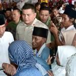 Presiden Serahkan 2.050 Sertifikat Hak Atas Tanah untuk Rakyat di Bangkalan