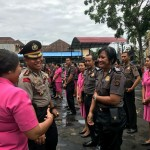 Sebanyak 63 Anggota Polres Badung Disiram Dengan Kencangnya Water Canon