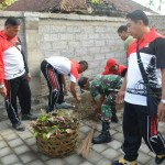 TNI-Polri Melaksanakan Kerja Bakti Bersama di Kantor Koramil Mengwi