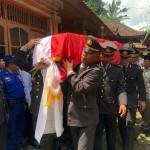 Upacara Perabuan Secara Dinas Kepolisian jenazah Almarhum Ipda I Wyn Budiana