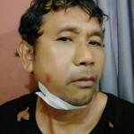 Oknom Anggota Ormas Pukul Warga Saat Pasang Bendera Partai