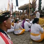 Keluarga Besar Umat Hindu Korem 163 Wira Satya, Sembahyang Ke Pura Batur dan Besakih