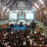 Umat Kristiani Menjalankan Ibadah Jumat Agung di Gereja Maranatha