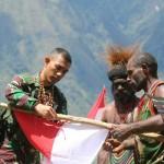 Warga Puncak Jaya Serahkan Alat Perang Deklarasi Setia NKRI
