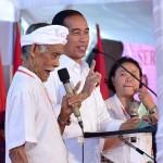 Presiden RI Jokowi Didampingi Gubernur Koster Serahkan Tiga Ribu Sertifikat Tanah di Bangli