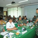 Ikuti Vidcon Pembukaan Rakornis TMMD ke-105, Pangdam IX/Udayana, Tekankan  Sinergitas Semua Unsur Terkait.