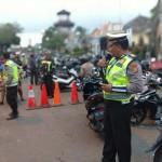 Polres Bangli Lakukan Pengamanan Pasar Tumpah di Pasar Kidul