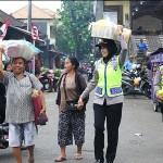 Hut Ke-71, Polwan Polres Bangli Turun ke Pasar Kidul