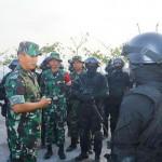 Pangdam IX/Udy : Suarakanlah Profesionalisme TNI Menjadi Investasi Besar Bagi Pembangunan Nasional