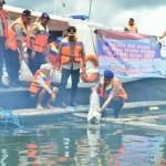 Direktorat Polairud Memberikan Bantuan Bibit Ikan Nila Pada Kelompok Nelayan Keramba.