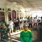 Personel Kodim Tabanan Bantu Masyarakat bangun Tempat Ibadah