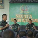 "Pangdam IX/Udayana Berikan Pengarahan Kepada Para Prajurit Siswa Gel II TNI AD Secata ""A"" Rindam IX/Udayana."