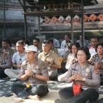 "Kapolres Klungkung Sembhyang Bersama, ""Memohon Keselamatan Terhindar  Virus Covid-19."
