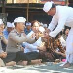 Kapolres Jembrana Menggelar Sembahyang Bersama Anggotanya.
