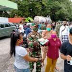 Cegah Covid-19, Kodim Tabanan Dengan Komponen Masyarakat Sampaikan Himbauan Dan Bagikan Masker.