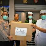 FK Unud dan IDI Cabang Denpasar, Beri Bantuan 3000 Masker Kepada Polda Bali.