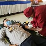 Kapolres Tabanan lakukan Donor Darah, Demi Kemanusiaan.