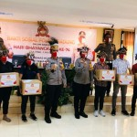 Sebanyak 40 Mahasiswa Asal Papua Dapat Pembagian Sembako Dari AKBP Roby