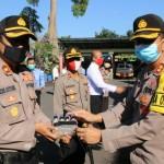 Sebanyak 766 Botol Kecil Hand Sanitizer di Serahkan Ke Personil Polres Badung
