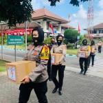 Wakapolres Badung Bagi-Bagi Sembako, Menjelang Hari Jadi Polwan Ke -72.