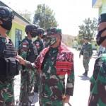 Pangdam IX/Udayana selaku Pangkoops Pamtas RI-RDTL Yakinkan Satgas Pamtas Selalu Waspada