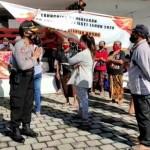 Kompol I Wayan Latra Berikan Himbauan Bersifat Edukasi Terhadap Masyarakat Penerima BST