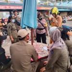 Sebanyak 24 Pelanggar di Tindak, Saat Tim Yustisi Agung Covid -19 Lakukan Razia Masker di Pantai Batubolong