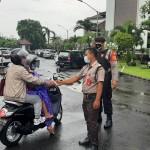 Barsama Instansi Terkait Polres Badung  Patroli  Sasar Masyarakat Pelanggar Prokes.